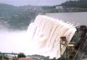 Narendra Modi Gives Directions to Raise Height of Narmada Dam by 17 Meters, Medha Patkar Against It.