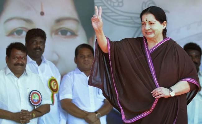 Jayalalitha Sworn in as CM for fifth time - India News