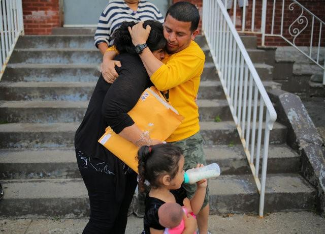 An El Salvadoran woman challenges Canadian refugee law that bars their entry by land