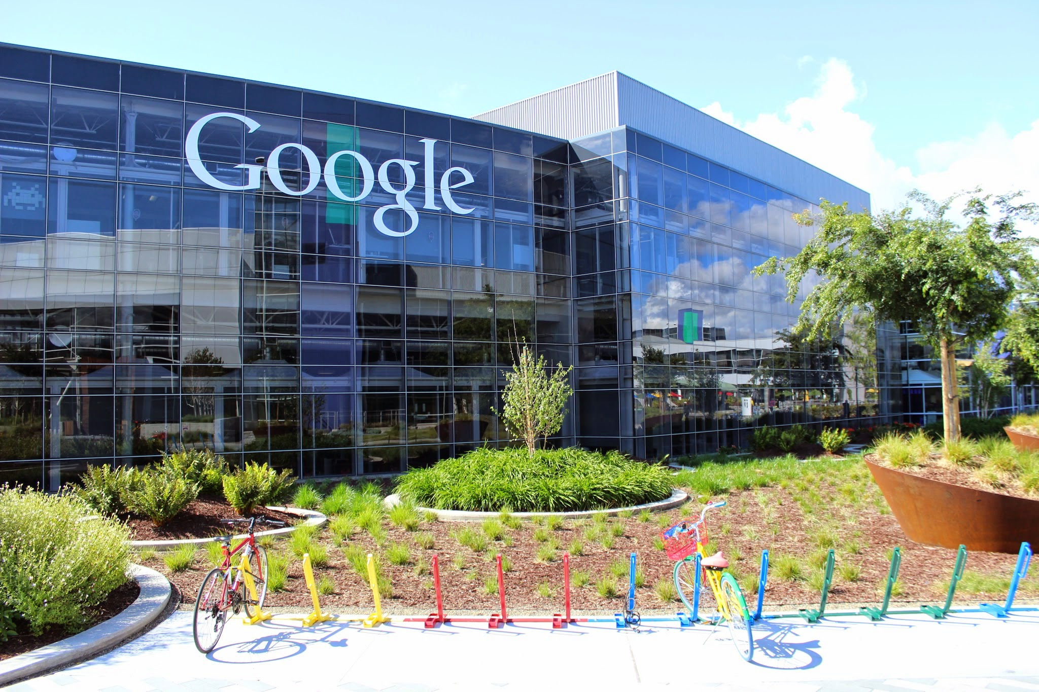 Google emerges victorious in a Tax case in France, Escapes paying the $1.3 Billion Bill