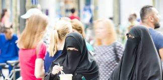 Canada: Legal Challenge Mounted In Quebec Against The Face-covering Ban