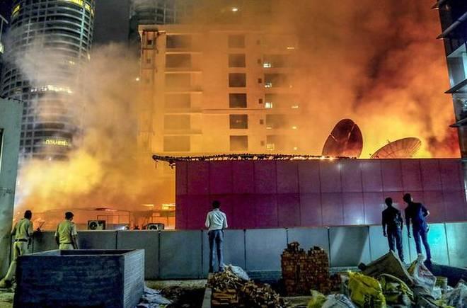 Fire In Two Illegal Terrace Resto-Bars In Mumbai Kills 14