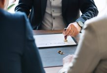 How To Become A Notary Public- Qualifications And Experience Required